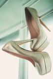 Wegende schoenen Stock Fotografie