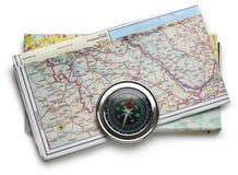 Wegenkaartplan en kompas Stock Foto's