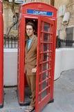 Weggaande Telefooncel Stock Fotografie