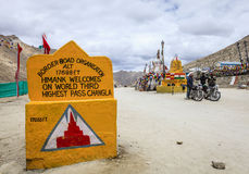 Wegpas in Himalayagebergte Stock Foto