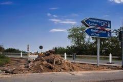 Wegrestauratie op de oprijlaan van een autosnelweg stock afbeeldingen