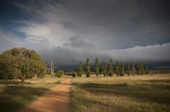 Wegrubriek in een onweer stock foto's