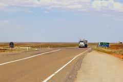 Wegtreinen Stuart Highway, Australië Stock Foto's