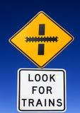 Wegwaarschuwingsbord - zoek Treinen Royalty-vrije Stock Foto's
