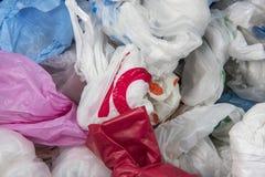 Wegwerfplastiktaschehintergrundbeschaffenheit Stockfotos