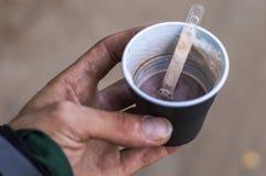 Wegwerfschalenkaffeegetränk Stockbild