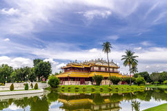 Wehart Chamrunt slott eller himla- ljus och Ho Withun Thasana, Royaltyfri Foto