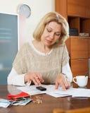 Wehmütiges Frauendenken Lizenzfreies Stockfoto