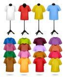 Weiß- und Farbent-shirts auf Mannequinen. Vektor