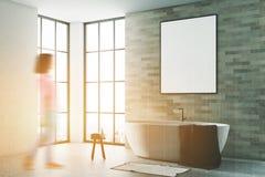 Weiß und Ziegelsteinbadezimmer, Plakatseite getont Lizenzfreie Stockfotografie