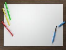 Weißbuch auf Tabelle Stockfotografie