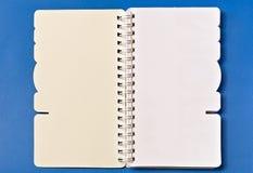 Weiße Abdeckung des Anmerkungs-Buches lizenzfreie stockfotos