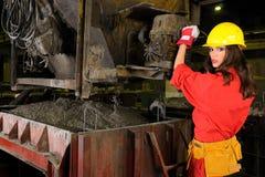 Weiße Arbeitskraft in der Bauindustrie stockbilder