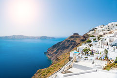 Weiße Architektur auf Santorini-Insel, Griechenland Stockfoto