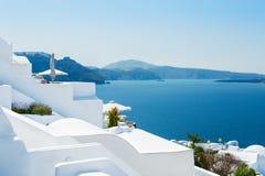 Weiße Architektur auf Santorini-Insel, Griechenland Lizenzfreie Stockbilder