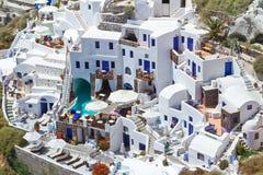 Weiße Architektur von Santorini Insel Stockfotografie