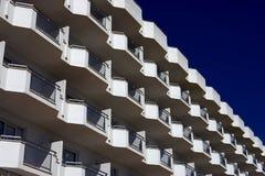 Weiße Balkone Stockbild