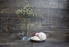 Weiße Blume und Zefir Stockfoto