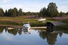 Weiße Bootsverankerungs- Lizenzfreies Stockfoto