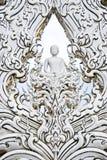 Weiße Buddha-Kunst im Tempel Lizenzfreies Stockfoto