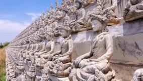 Weiße Buddha-Linie Stockfotografie