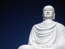 Weiße Buddha-Pagode Stockfotografie