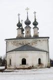 Weiße christliche Kirche in Suzdal Stockbild