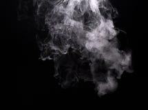 Weiße Dampfwolke der elektronischen Zigarette Stockfotografie