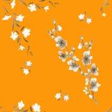 Weiße des nahtlosen Musteraquarells kleine und beige Blumen auf dem orange Hintergrund Stockbild
