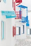 Weiße Gebäude- und Wegmethode Stockbild