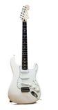 Weiße Gitarre auf weißem Hintergrund mit Reflexion Lizenzfreies Stockbild