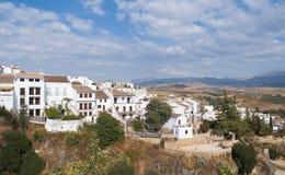 Weiße Häuser in einer Landschaft Stockfotos