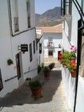 Weiße Häuser im spanischen Dorf Stockbild