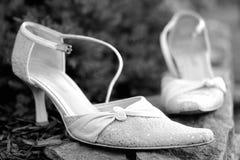 Weiße Hochzeitsschuhe Stockbilder