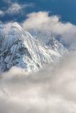 Weiße hohe schneebedeckte Berge von Nepal, Annapurna-Region Stockfoto