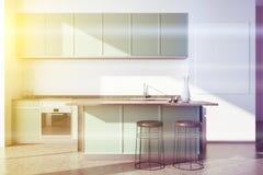 Weiße Küche, grüne Countertops, Plakat getont Stockfoto