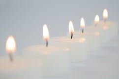 Weiße Kerzen stockfoto