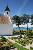 Weiße Kirche von 1550 Stockfotos