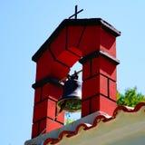 Weiße Kirchen von Skopelos, Griechenland lizenzfreie stockfotos