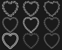 Weiße Kranzrahmen in Form der Herzen vektor abbildung