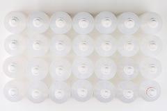 Weiße lichtdurchlässige Flaschen angesehen von oben lizenzfreie stockbilder