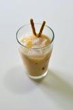 Weiße Malz-Milch mit Macha Snack Stockbild