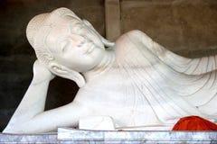 Weiße Marmor-Buddha-Statue in Thailand Lizenzfreie Stockbilder