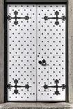 Weiße mittelalterliche Tür Lizenzfreie Stockfotos