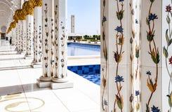Weiße Moschee in Abu Dhabi Lizenzfreies Stockbild
