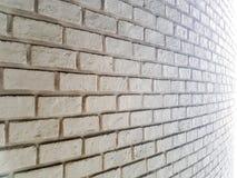Weiße nebelhafte Backsteinmauer für Hintergrund Lizenzfreie Stockfotografie