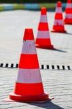 Weiße orange Kappen der Straße Vektor Abbildung