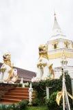 Weiße Pagode im Tempel Stockfotos