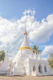Weiße Pagode in Thailand Lizenzfreies Stockbild