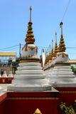 Weiße Pagode an Thailand-Tempel Lizenzfreie Stockfotografie